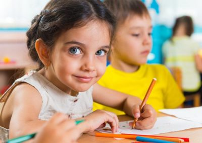 photodune-4902026-group-of-cute-little-prescool-kids-drawing-s-600x450